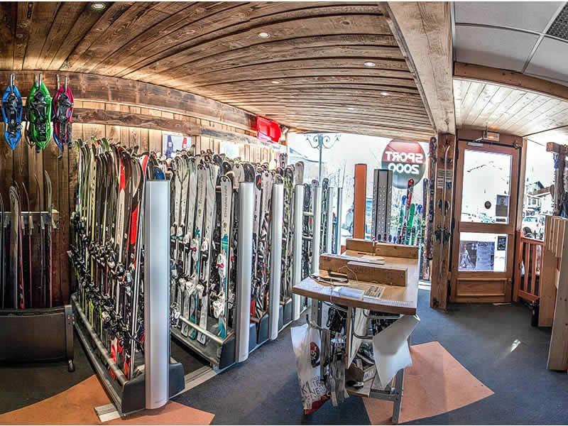 Skiverhuur winkel LOCA SKI, 191 avenue du Mont d'Arbois BP9 in Saint Gervais Les Bains