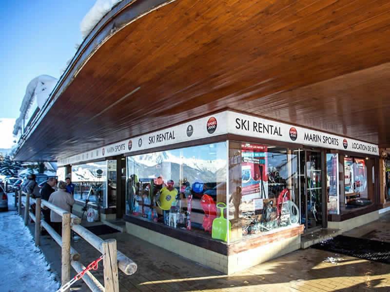 Skiverhuur winkel MARIN SPORTS, 2804 Route de la Cry Cuchet - Pied des Pistes in Combloux