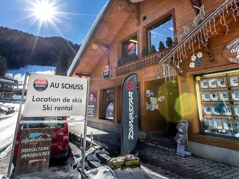 Skiverhuur winkel AU SCHUSS, 29-32 Route de la Moussiere d'En Haut in Saint Jean d'Aulps