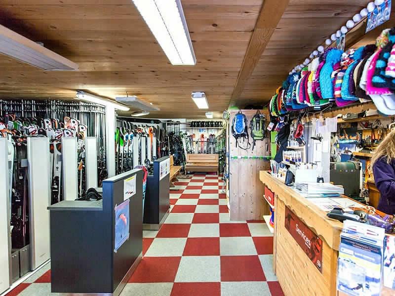 Skiverhuur winkel LOCA SKI, 4360 Route du Bettex in Saint Gervais Les Bains