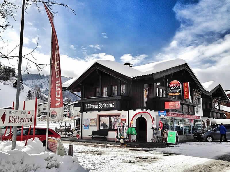 Skiverhuur winkel SPORT 2000 Fuchs, Alte Strasse 3 in Ellmau