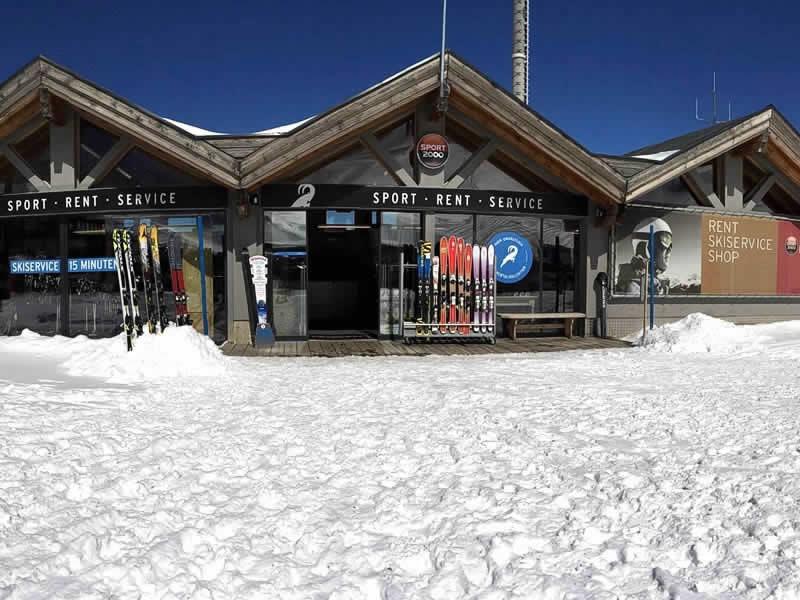 Skiverhuur winkel LARCHER Verleih- Test und Servicecenter, Am Kaunertaler Gletscherparkplatz in Kaunertal