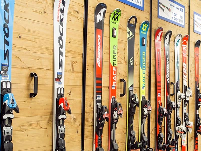 Skiverhuur winkel Sportservice Erwin Stricker, Am Platzl 1 - Maso Corto/Kurzras in Schnals