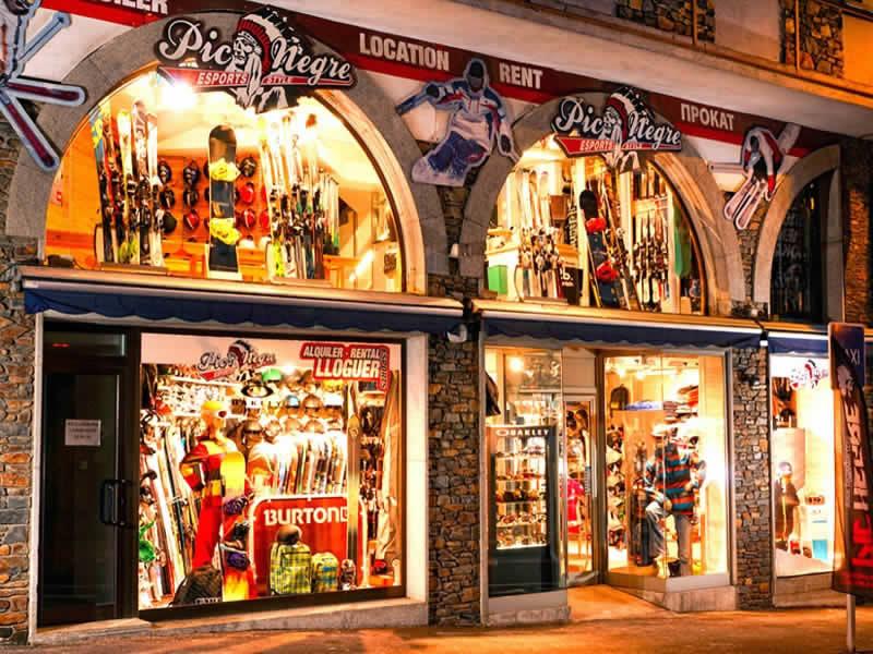 Skiverhuur winkel Pic Negre XIV, Avinguda Coprincep Francès n°105 in Encamp