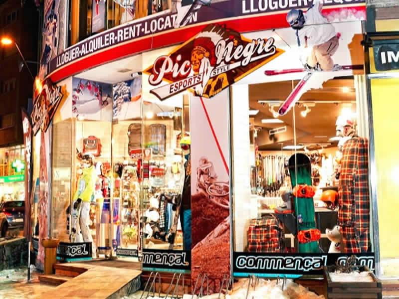 Skiverhuur winkel Pic Negre XII, Avinguda de Sant Antoni n°10 (Ed. Trini) in La Massana