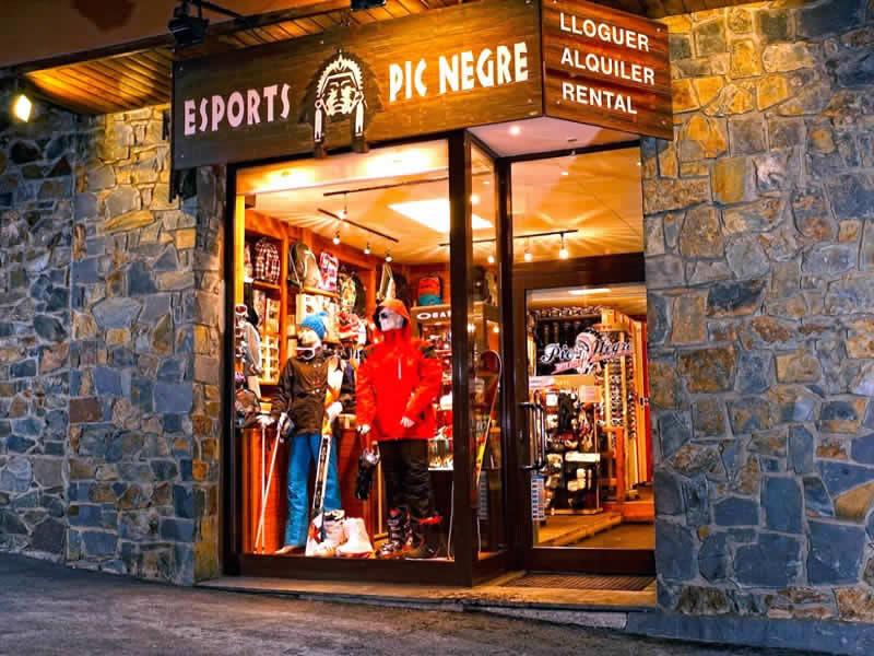 Skiverhuur winkel Pic Negre VII, C/Général Edifici Areny (Entrada Pueblo) in Arinsal