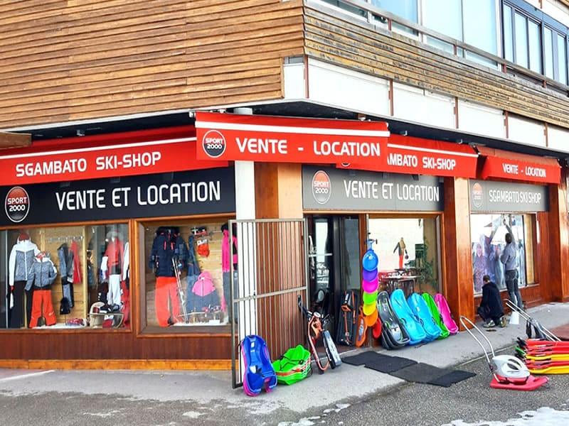 Skiverhuur winkel SGAMBATO SKI SHOP, Centre Commercial la Roche Béranger in Chamrousse