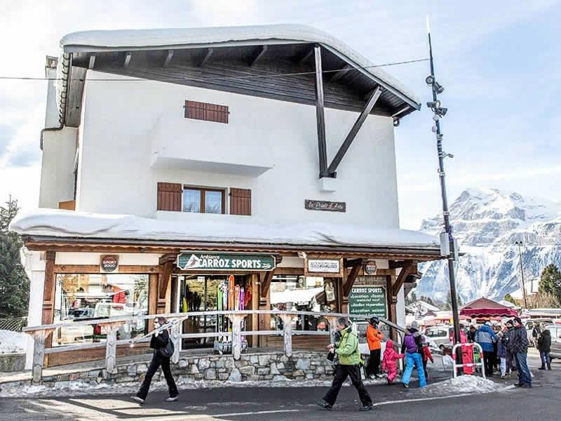 Skiverhuur winkel CARROZ SPORTS, Centre Village Immeuble La Pointe d'Areu in Les Carroz d'Araches