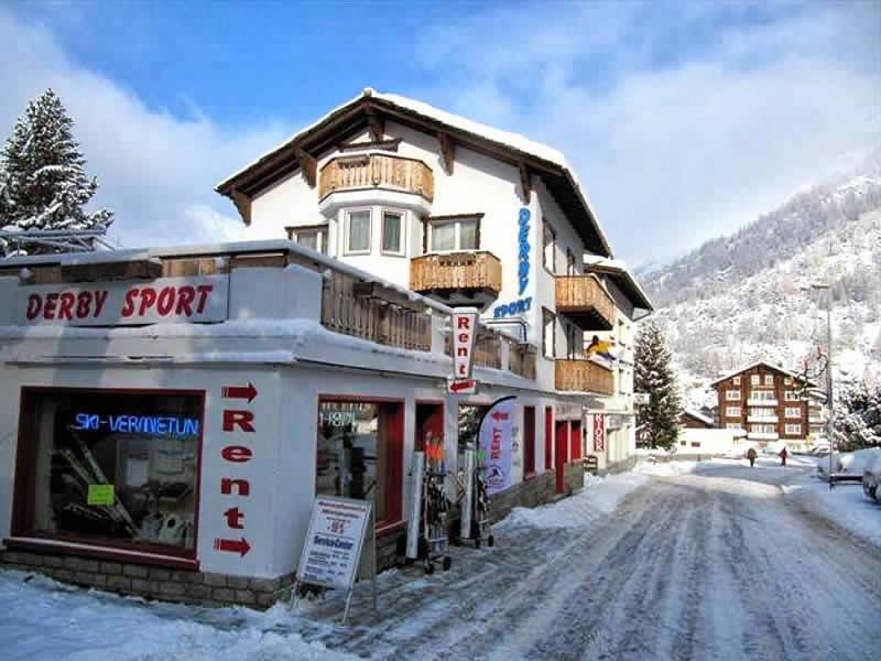 Skiverhuur winkel Derby Sport, Chalet Alpenrösli - Talstrasse 104 in Saas-Almagell