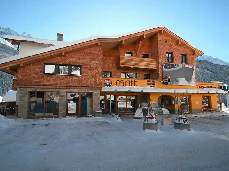 Skiverhuur winkel SPORT 2000 Matt, Dorf 150 in Pettneu