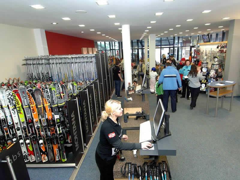 Skiverhuur winkel Snow & fun Hinterglemm, Dorfstrasse 204 in Hinterglemm