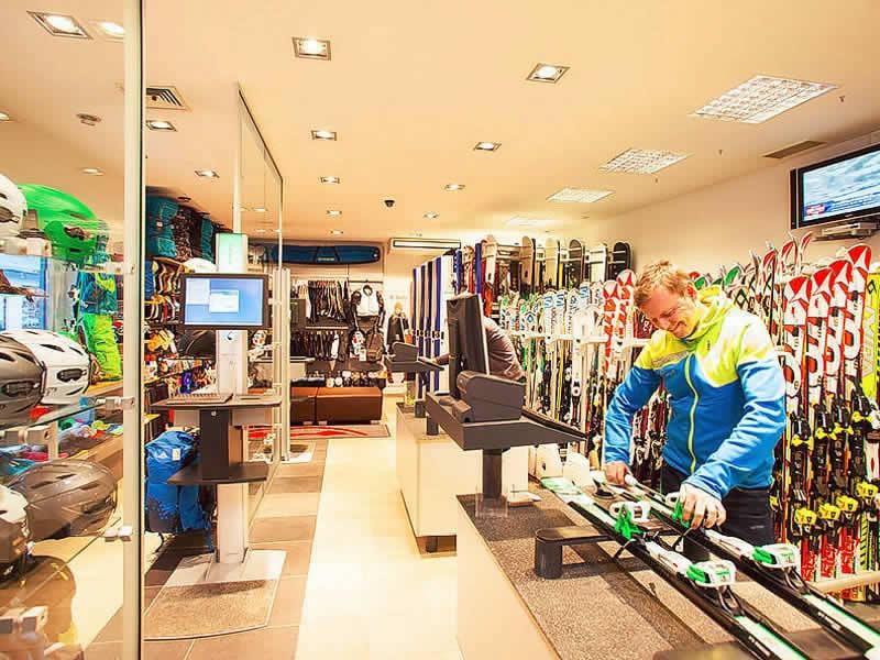 Skiverhuur winkel SPORT 2000 Rentalcenter, Dorfstrasse 301 in Hinterglemm