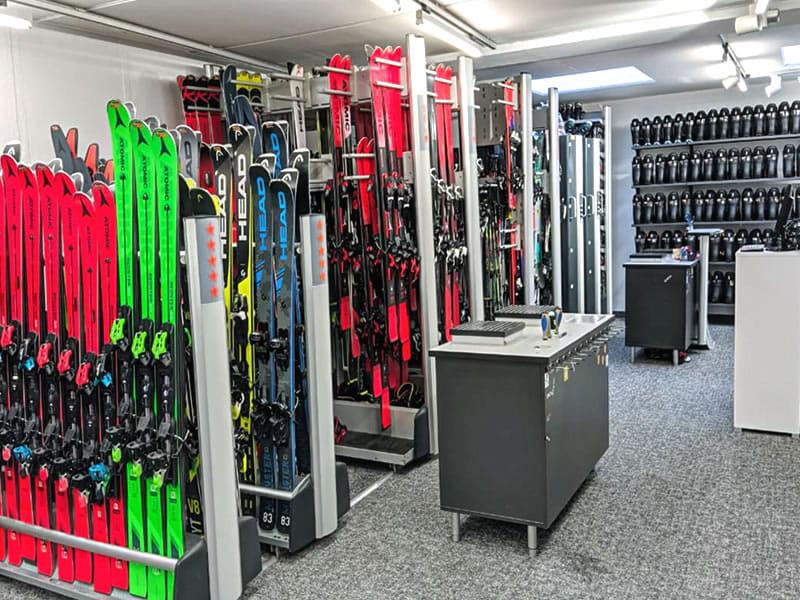 Skiverhuur winkel SPORT 2000 Wegscheider, Hauptstrasse 471a in Mayrhofen