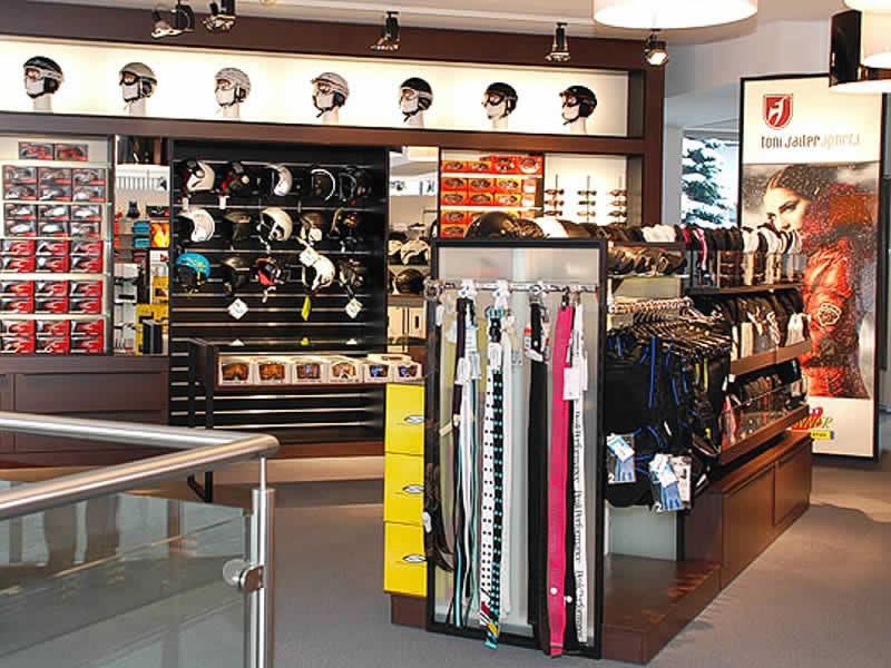 Skiverhuur winkel Sport Nenner Outdoor, HNr. 402 [gegenüber Talstation Eggalmbahn] in Lanersbach-Tux