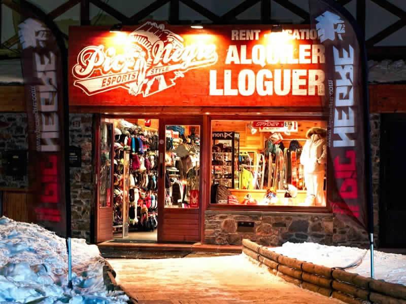 Skiverhuur winkel Pic Negre XIII, Hotel Grau Roig (Parking Pistes) in Grau Roig