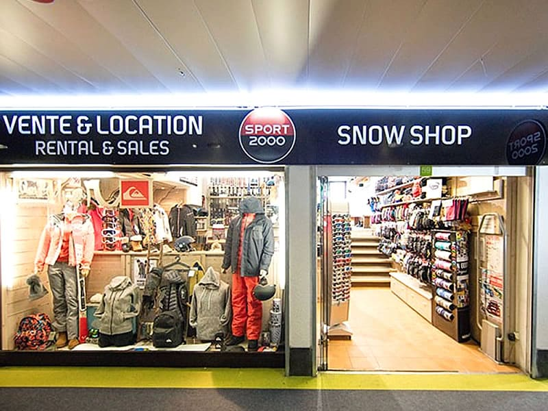 Skiverhuur winkel SNOW SHOP, Immeuble le Tavels - Galerie marchande in Isola 2000