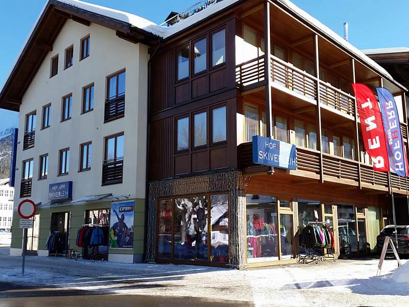 Skiverhuur winkel Hofherr Sport, Kirchplatz 23 in Ehrwald