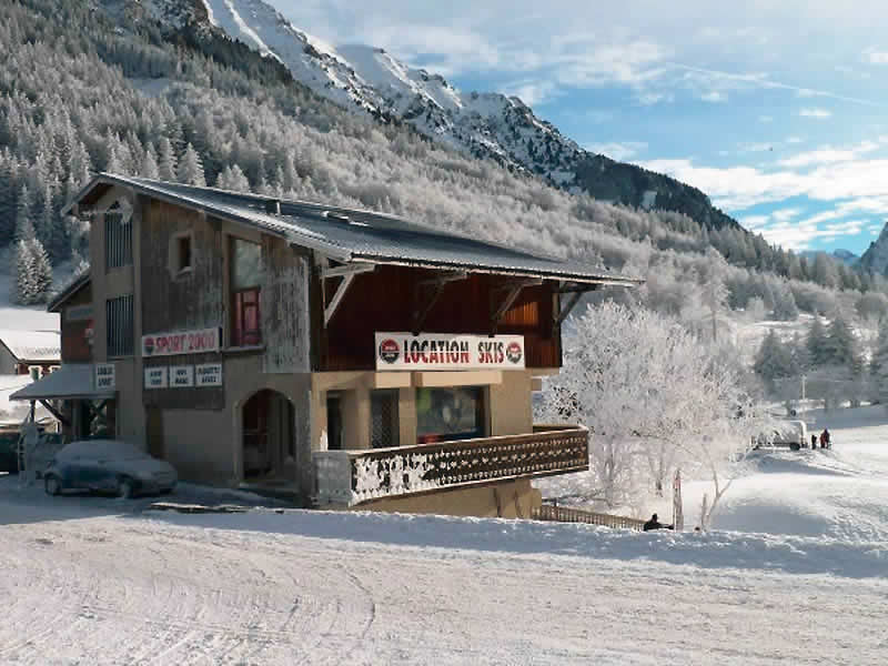 Skiverhuur winkel LOULOU SPORTS, La Blache in Alpe du Grand Serre