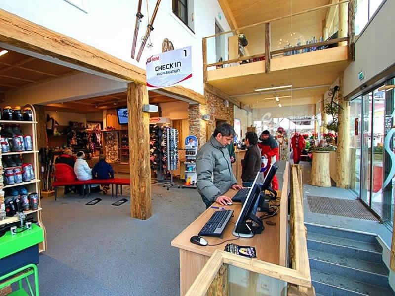 Skiverhuur winkel Skischule Lofer Herbst, Lofer 1a in Lofer