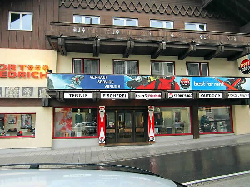 Skiverhuur winkel SPORT 2000 Friedrich, Marktstrasse 3 in St. Michael