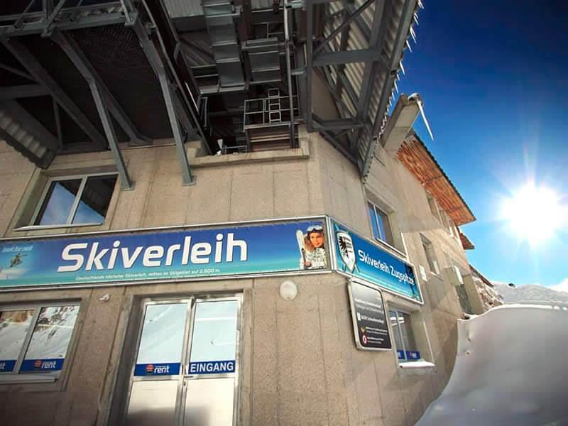 Skiverhuur winkel Skiverleih Zugspitze, Mitten im Skigebiet auf 2.600 m in Garmisch-Partenkirchen
