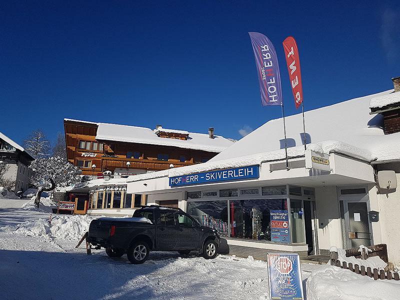 Skiverhuur winkel Hofherr Sport, Oberdorf 9 [Hotel Tyrol] in Lermoos