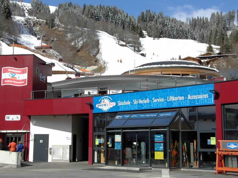 Skiverhuur winkel Snow & Fun Hinterglemm, Reiterkogelbahn Talstation in Hinterglemm