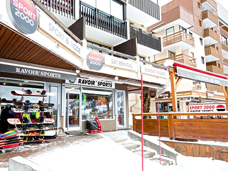 Skiverhuur winkel RAVOIR'SPORTS, Résidence La Madeleine in Saint Francois Longchamp