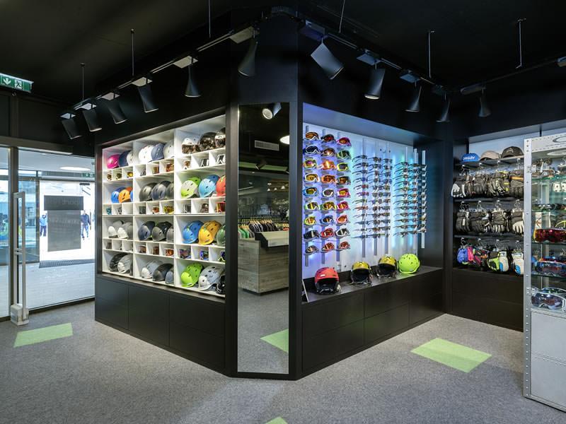 Skiverhuur winkel Sport-Shop, Rettenbach Gletscher [Direkt beim Restaurant] in Sölden