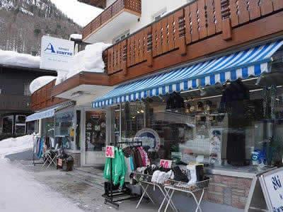 Skiverhuur winkel SPORT 2000 Azzurra Sport, Zermatt in Riedstrasse 10