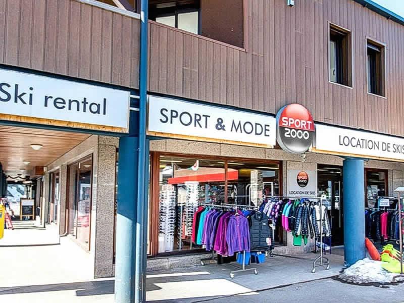 Skiverhuur winkel SYLBE SPORTS, Rond Point d'Egat - CC Super U - RN10 in Egat
