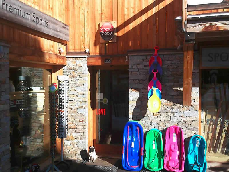 Skiverhuur winkel PREMIUM SPORT, Route d'Huez (Viel Alpe) in Alpe d'Huez