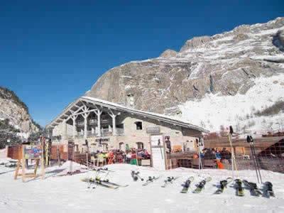 Skiverhuur winkel BORASO SPORT LES TUFS, Val d Isere in Route Des Etroits - La Daille