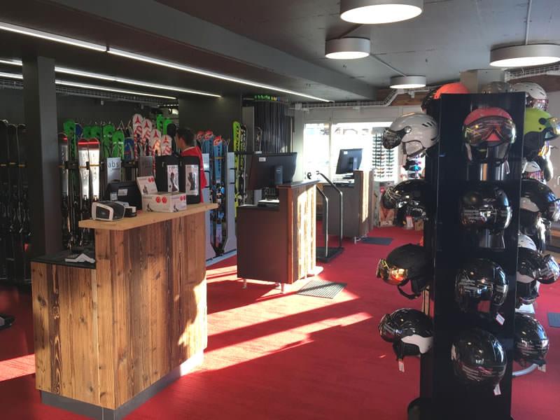 Skiverhuur winkel swissrent by CMA, Route du Téléphérique 1, Départ Crans-Cry d'Er in Crans Montana
