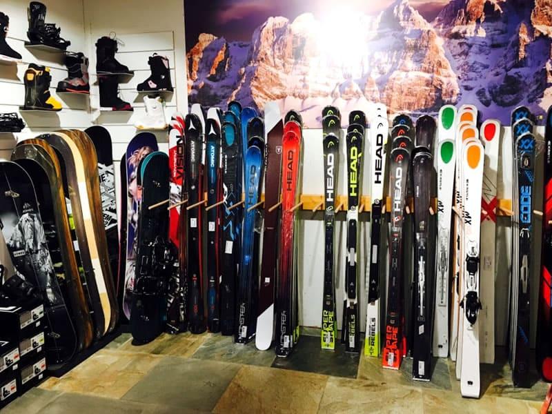 Skiverhuur winkel Snowline, Route du Village 4 in Morgins