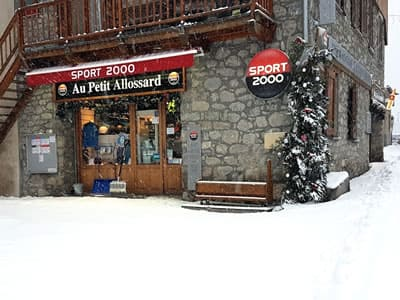 Skiverhuur winkel Au Petit Allossard, Allos in Rue du Pré de Foire