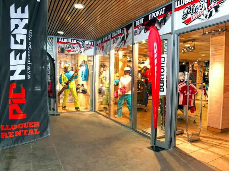 Skiverhuur winkel Pic Negre IX, Salida Telecabina Canillo in Canillo