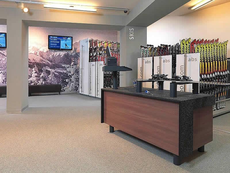 Skiverhuur winkel Gumpold Mountain Sports, Schwarzacherweg 200 in Hinterglemm