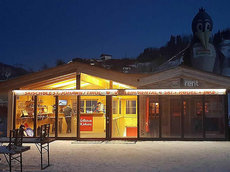 Skiverhuur winkel Skiverleih - Skischule St. Johann, Speckbacherstrasse 75 in St. Johann i. Tirol