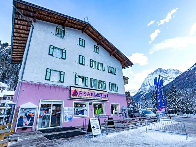 Skiverhuur winkel Peak Sport Adventure, Strèda de Pareda 79 in Canazei