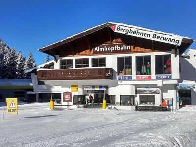 Skiverhuur winkel Hofherr Sport, Bichlbach in Talstation Almkopfbahn