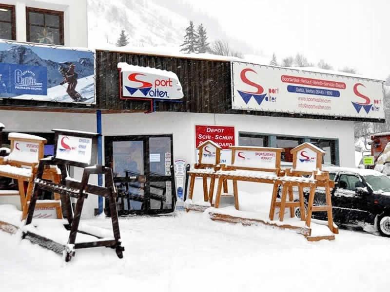 Skiverhuur winkel Sport Walter, Talstation Birkhahnbahn (Liftparkplatz) in Galtür