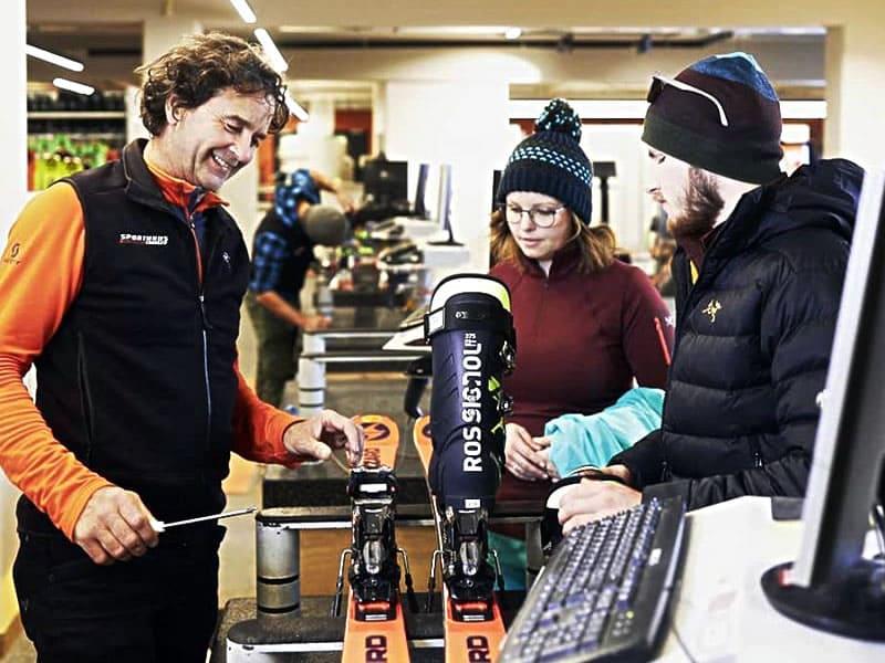 Skiverhuur winkel Sport Edinger, Talstation Gondelbahn Hochsöll in Söll