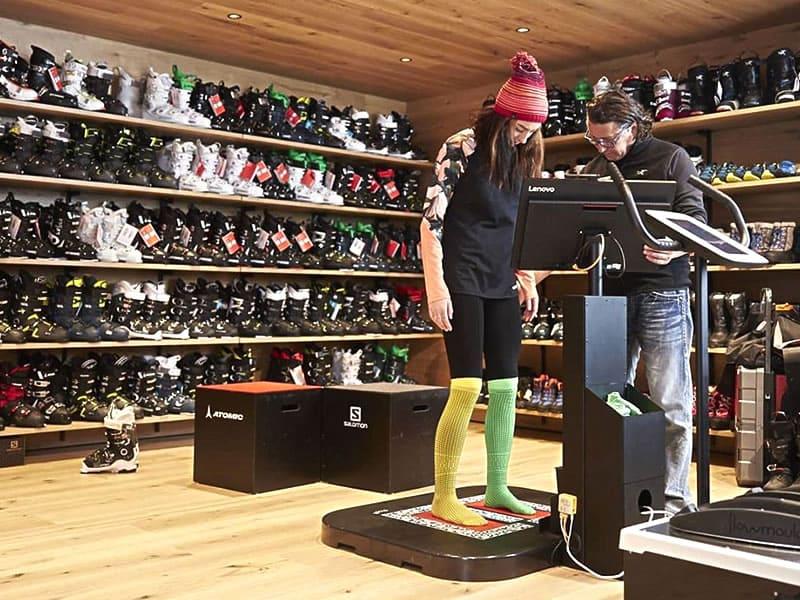 Skiverhuur winkel Sport Edinger in Talstation Gondelbahn Hochsöll, Söll