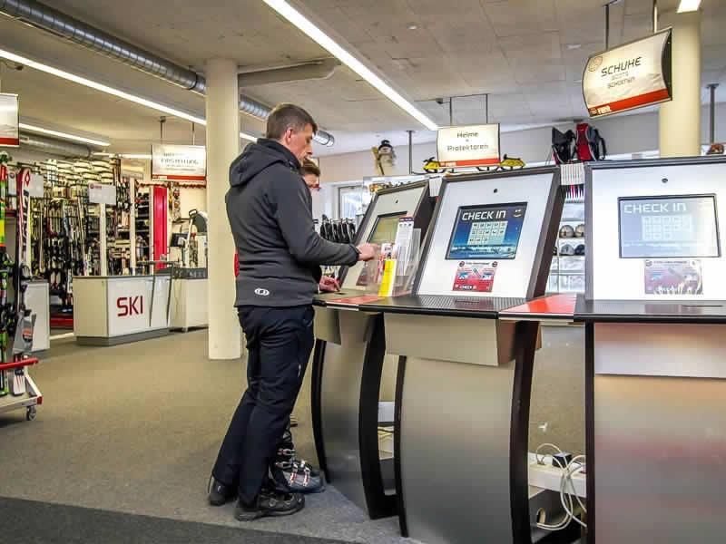 Skiverhuur winkel SPORT 2000 Check In, Talstation Gondelbahn Streuböden, Lindau 16b in Fieberbrunn