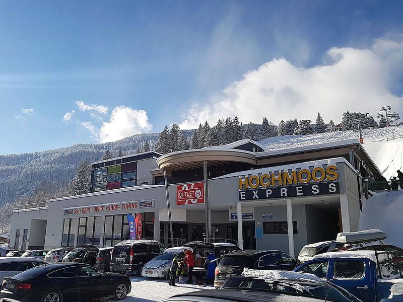 Skiverhuur winkel Hofherr Sport, Talstation Hochmooslift - Mösle 2a in Lermoos