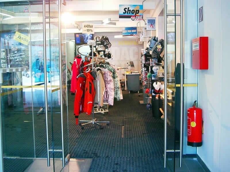Skiverhuur winkel Dachstein Sport Janu, Talstation Krippensteinbahn [Obertraun] in Obertraun/Hallstatt