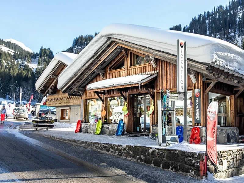 Skiverhuur winkel ARDENT SPORTS, Télécabine d'Ardent in Montriond