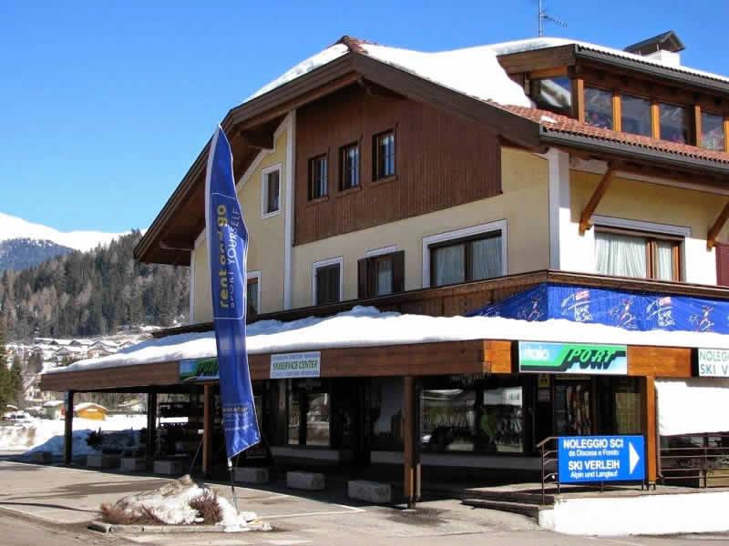 Skiverhuur winkel Italo Sport, Via Dolomiti, 7 in Toblach