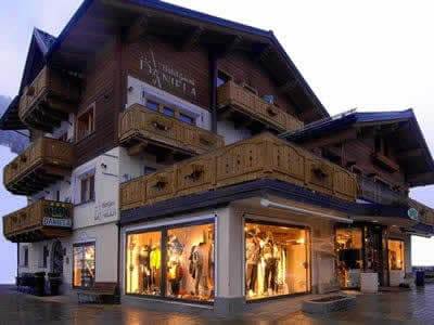 Skiverhuur winkel Zinermann Sporting, Livigno in Via Plan, 21H